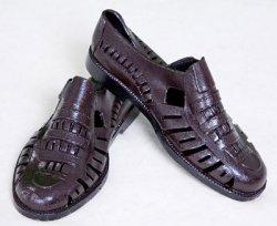 Giày nhựa đi mùa mưa